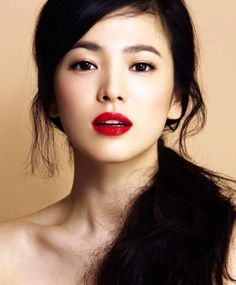 6c4666e7f5407dbf925188ac45431c8a--song-hye-kyo-korean-star